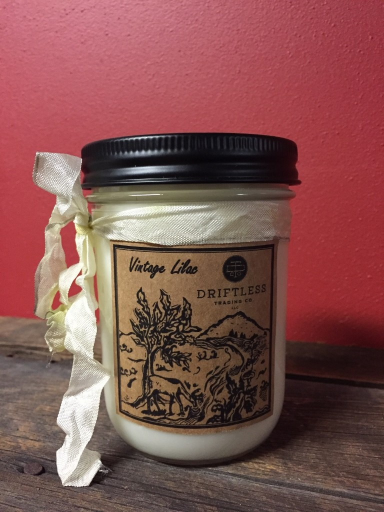 Vintage Lilac Soy Candle - 14 oz